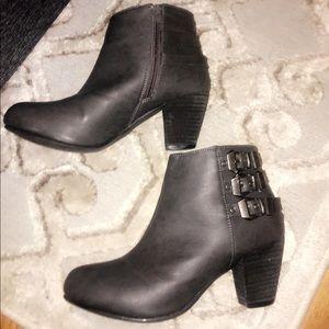 Shoes - Dark gray booties